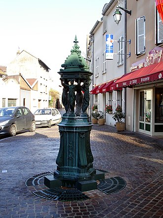 Soisy-sous-Montmorency - Place Sestre, the Wallace fountain