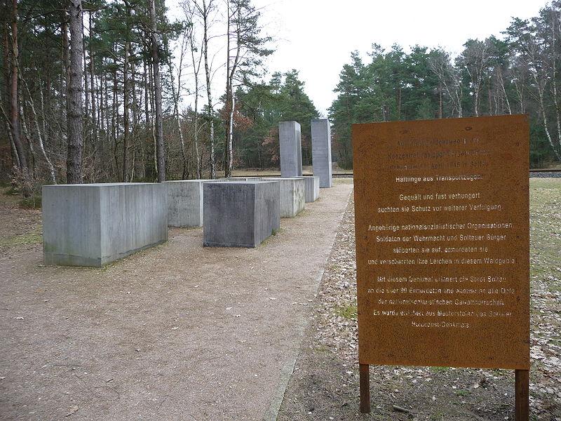 File:Soltau Holocaust-Mahnmal.jpg