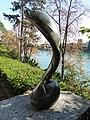 Springender Salm, Bronze, 1940, Solitude Promenade Basel. Von Willy Hege (1907–1976) Bildhauer (4).jpg