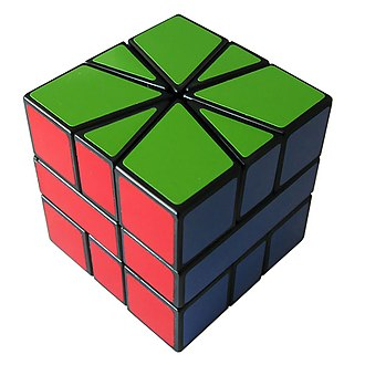 Square-1 (puzzle) - The same puzzle in its original (solved) state.
