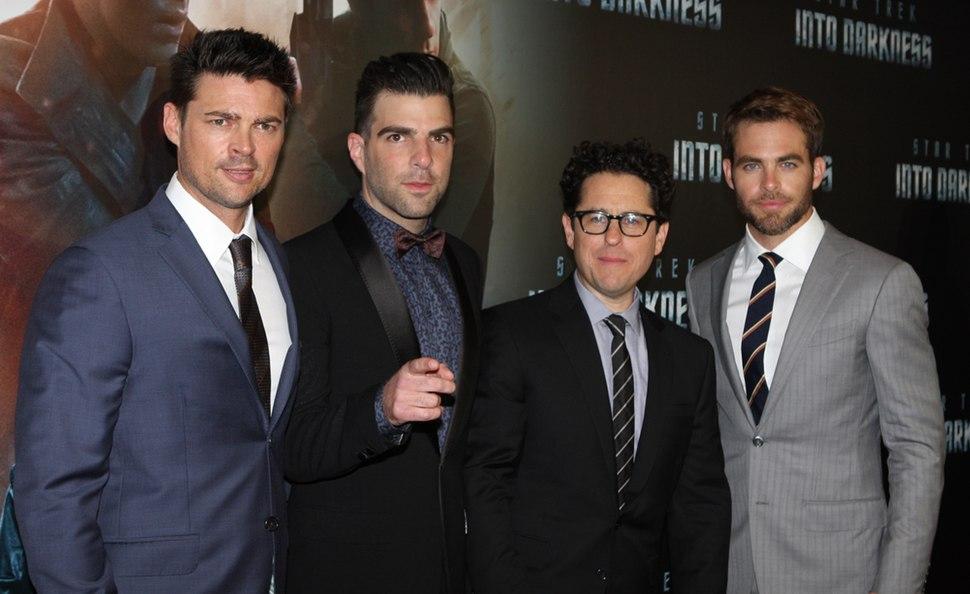 Star Trek Into Darkness Cast 2013