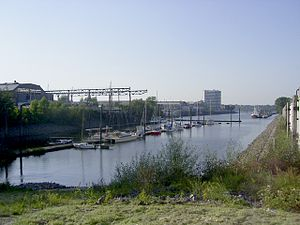 Deutsche Werft - Image: Steendiekkanal in Hamburg Finkenwerder