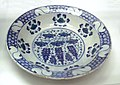 Stone paste dish Iznik Turkey 1550 1570.JPG