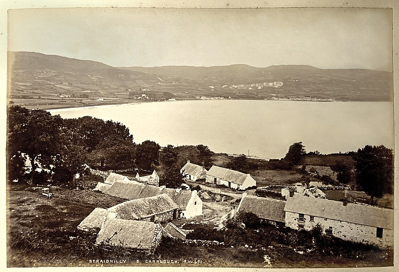 File:Straidkilly and Carnlough (13734094885).jpg