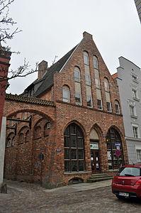 Stralsund, Fährstraße 6, Ecke Bechermacherstraße (2012-03-11), by Klugschnacker in Wikipedia.jpg