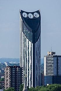 Strata SE1 from Monument 2014.jpg