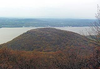 Sugarloaf Mountain (Dutchess County, New York) mountain in the Hudson Highlands, Dutchess County, New York