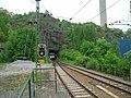 Tåg på Saltsjöbaban vid Henriksdalstunneln.jpg