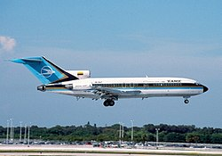 TAME Boeing 727-134 (HC-BLF) on finals at Fort Lauderdale.jpg