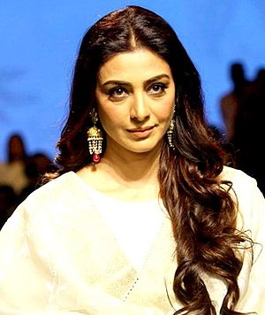 Tabu (actress) - Tabu at ramp for Lakme Fashion Week, 2017