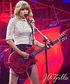 Taylor Swift RED Tour 2013.jpg