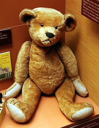 Teddy bear - Image: Teddy bear early 1900s Smithsonian Museum of Natural History