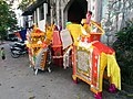 Temple along the Red River in Hanoi 08.jpg