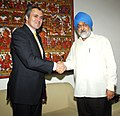 The Chief Minister of Jammu & Kashmir, Shri Omar Abdullah meeting the Deputy Chairman, Planning Commission, Shri Montek Singh Ahluwalia to finalize Annual Plan 2010-11 of the State, in New Delhi on June 18, 2010.jpg