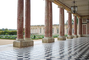Yvelines - Image: The Grand Trianon Castle in Summer