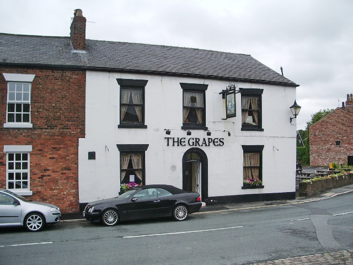 The Grapes, Town Road, Croston - geograph.org.uk - 940464.jpg