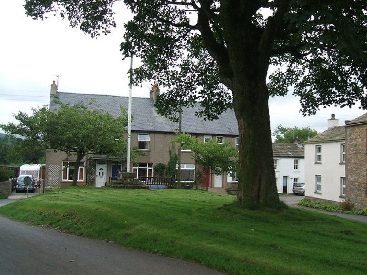 The Green, Church Brough - geograph.org.uk - 940974.jpg