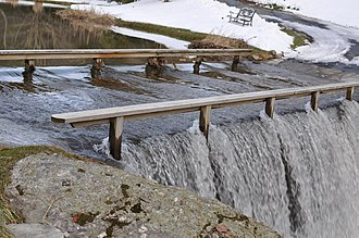Banner Elk, North Carolina - Image: The Shawneehaw Creek over bridge