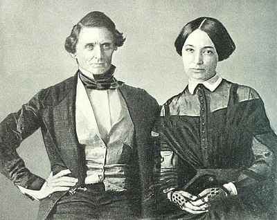 Wedding photograph (a daguerrotype) of Jefferson Davis and Varina Howell, 1845 The photographic history of the Civil War - thousands of scenes photographed 1861-65, with text by many special authorities (1911) (14759727081) (cropped).jpg