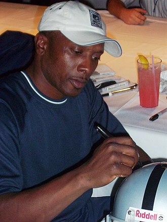 Tim Brown (American football) - Tim Brown at an autograph signing in 2004.
