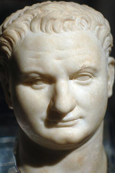 File:Tito, testa in marmo da Pantelleria.jpg