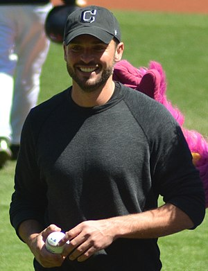 Tom Welling - Welling throwing out the first pitch at Progressive Field in May 2013
