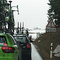 Tour de Romandie 2013 - étape4 - attention aux skieurs dans dans le col des Mosses.jpg