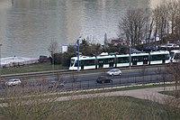 Tramway Ligne 2 vu depuis Parc St Cloud 5.jpg