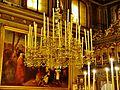 Trieste San Nicolò dei Greci Innen Leuchter 1.JPG