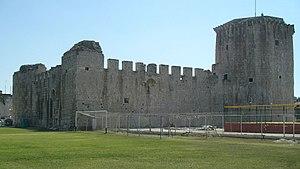 Kamerlengo Castle - Image: Trogir kula Kamerlengo i Batarija 080