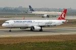 Turkish Airlines, TC-JTI, Airbus A321-231 (39923048392).jpg