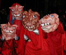 Ubu Apocalypse, a presentation of over-sized papier-mâché masks at the Village Halloween Parade in New York City.