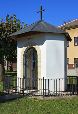 Vejvanovice, small chapel.jpg