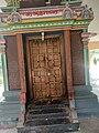 Vellalore Karivaratharaja perumal thirukkoyil door.jpg