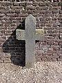 Venray Blitterswijck, Rijksmonument 28433, O.L.V. Geboortekerk kerkhof, grafkruis 1659.JPG