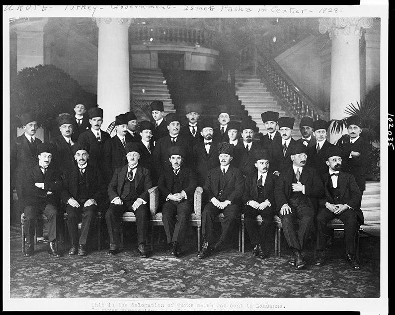 795px Vertrag von Lusanne Tuerkische Delegation