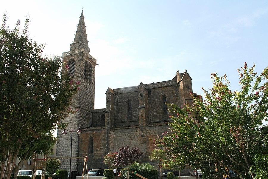 Vias (Hérault) - Façade nord de l'église Saint-Jean-Baptiste (XIVe - XVe siècles).