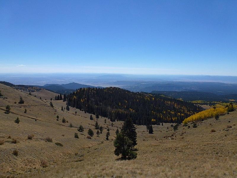 File:View S to Grants - panoramio.jpg