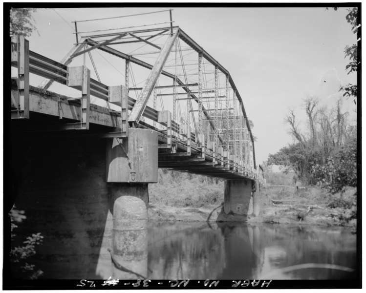 File:View of pier and substructure, looking from southeast - Berry Hill Bridge, Spanning Dan River at State Route 1761 (VA State Route 880), Eden, Rockingham County, NC HAER NC,79-EDEN.V,1-25.tif