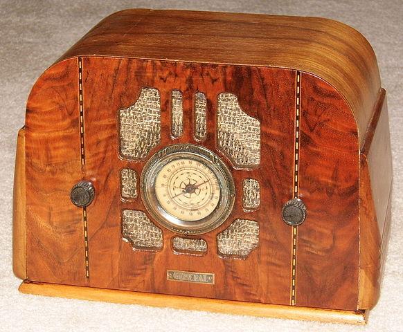 file vintage general wood table radio art deco design 5 tubes made in usa 14711087250 jpg. Black Bedroom Furniture Sets. Home Design Ideas