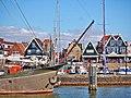 Volendam Waterfront (27289563901).jpg