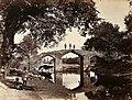 Vue du pont d'Akbar à Srinagar samuel bourne.jpg
