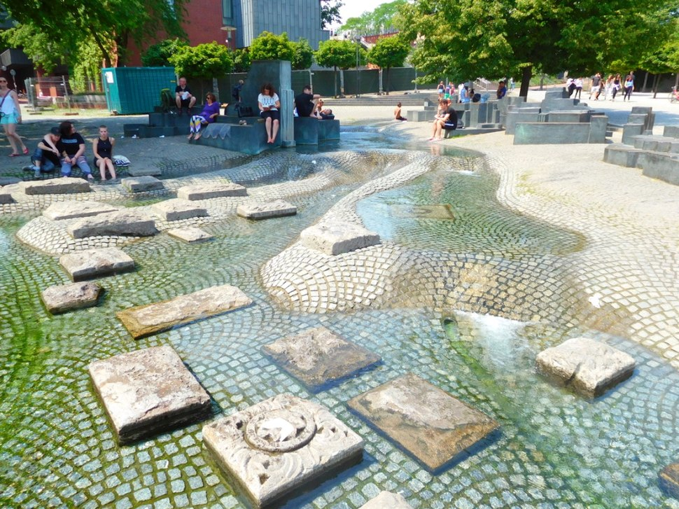 Water feature in Cologne, Germany