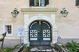 Wernberg Damtschach Damtschacher Straße 18 Schloss Portal 30052018 3513.jpg