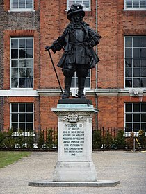 William III of Orange statue, Kensington Palace - DSCF0293.JPG