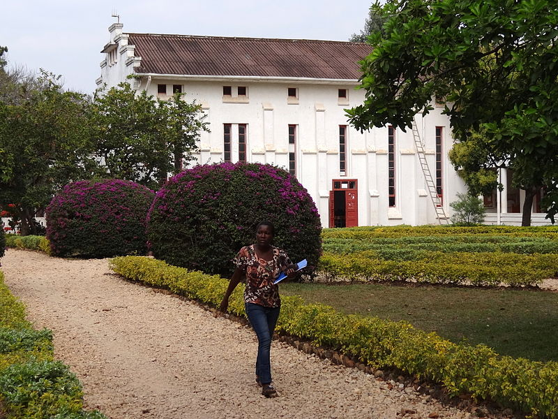File:Woman Strolls on Grounds of National University of Rwanda - Huye-Butare - Southern Rwanda.jpg