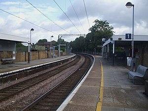 Wood Street railway station - Image: Wood Street stn look north