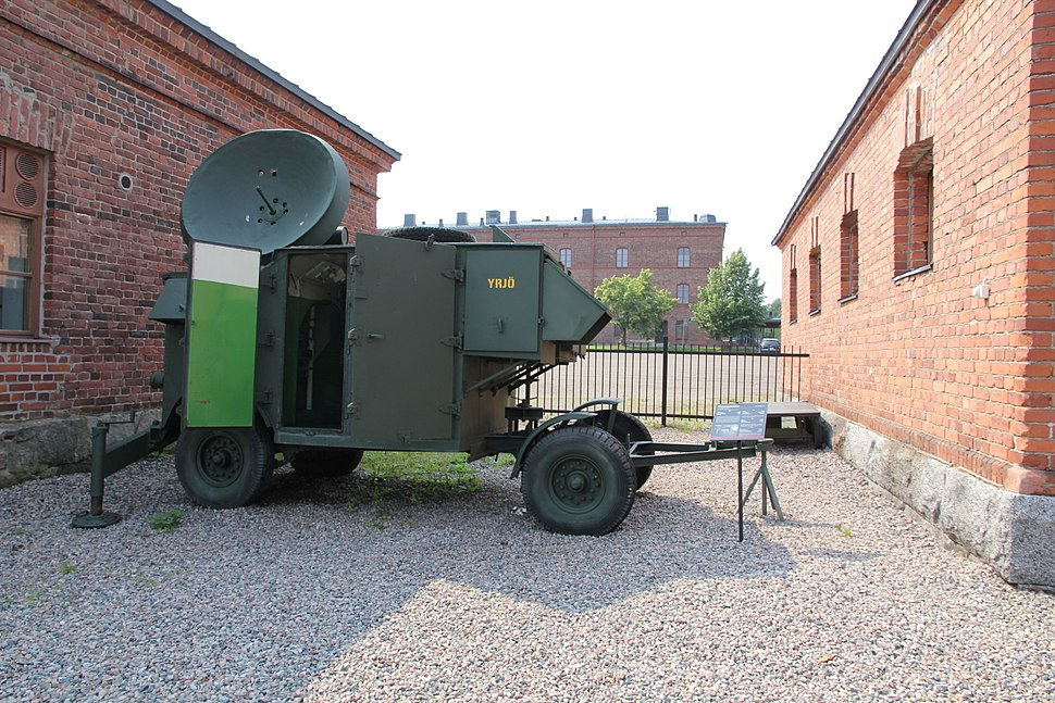 Yrjö modified AA No 3 Mk 7 F radar Hämeenlinna 1