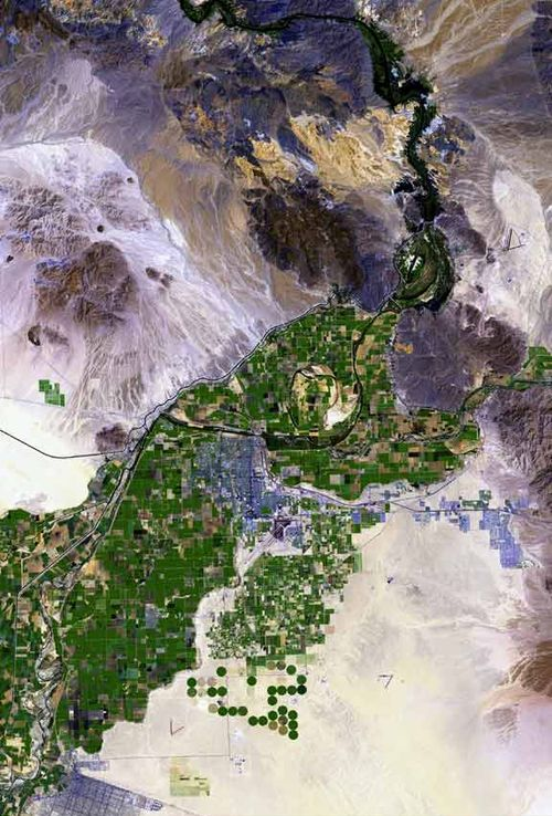Satellite view of the Colorado River valley near Yuma, Arizona; the US Interstate Road 8 runs from left to right just below center. Yuma arizona map.jpg