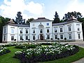Łazienki Królewskie - Pałac Myślewicki - panoramio.jpg